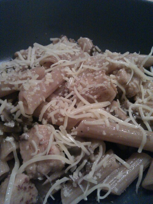 Pasta with mushrooms and quorn