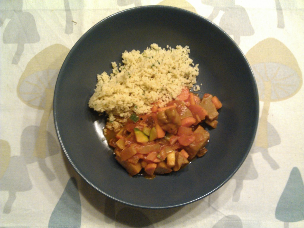 Seitan stew with raisins and couscous