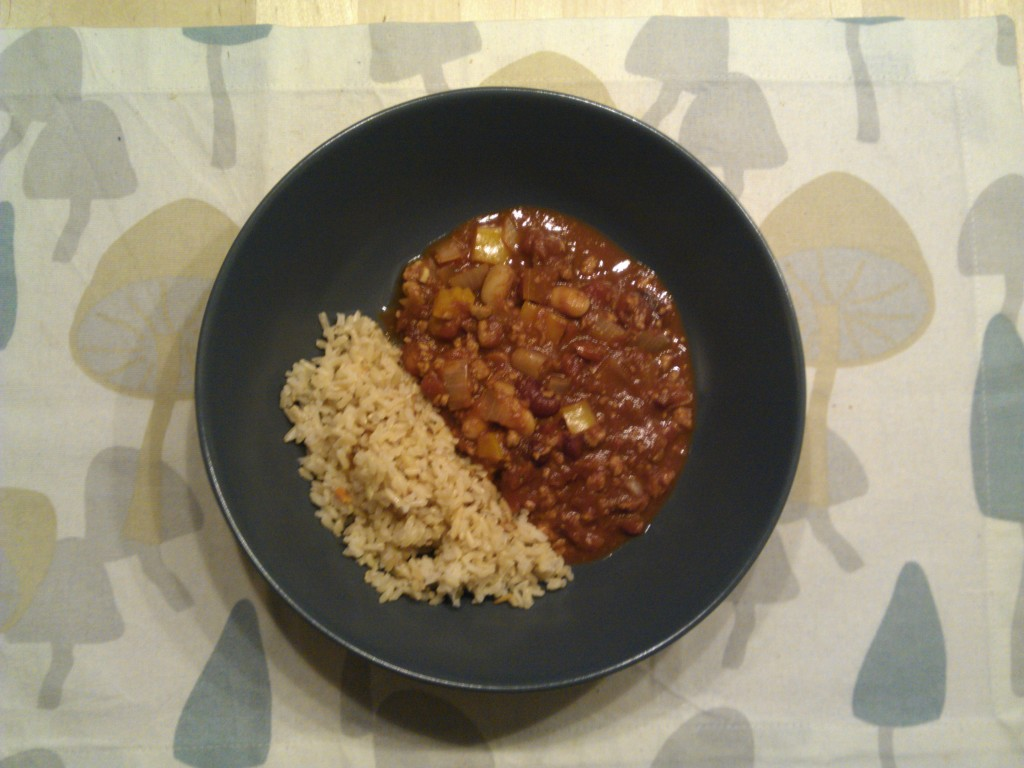 Chilli con quorn al mole with a side of brown rice