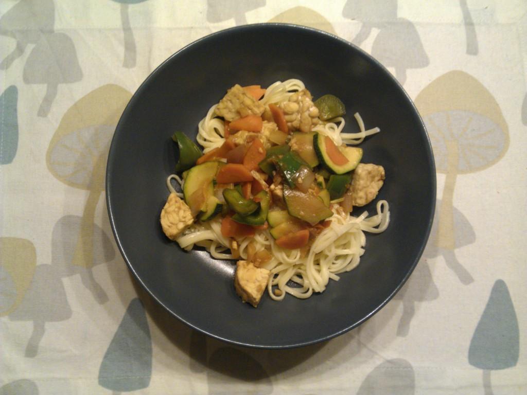 Stir fry with tempeh