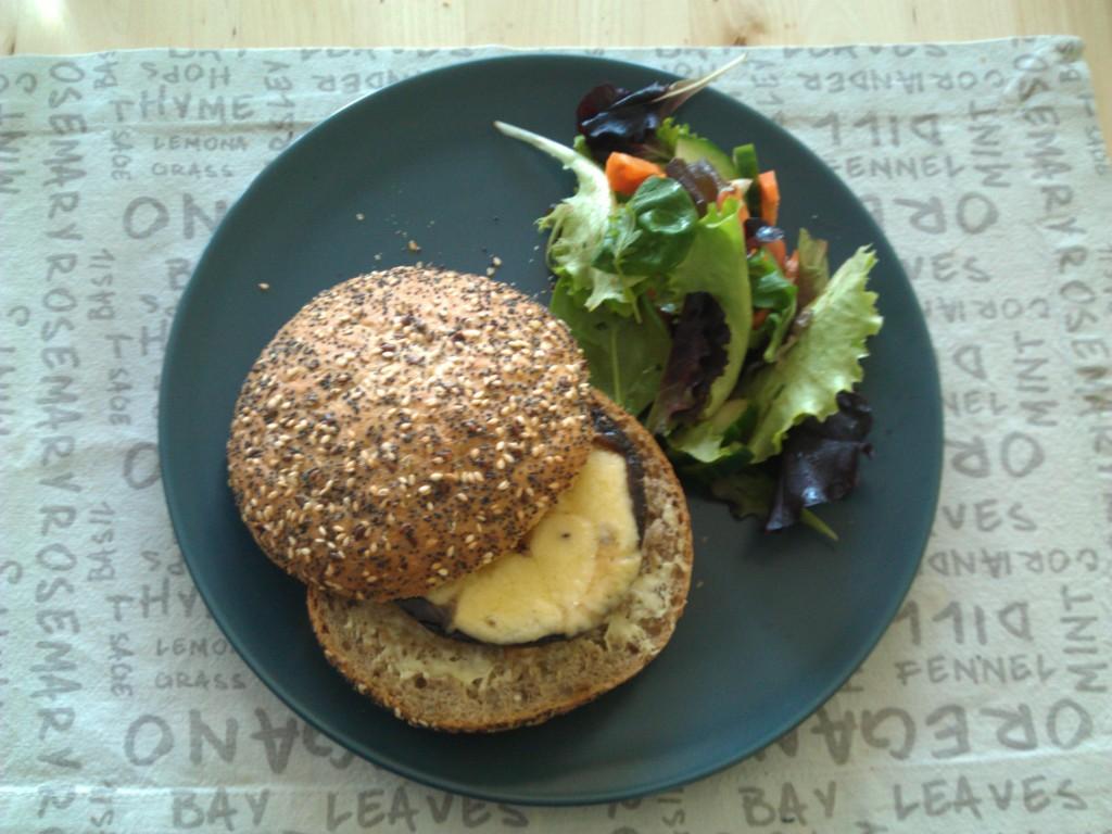 Portobello burger deluxe